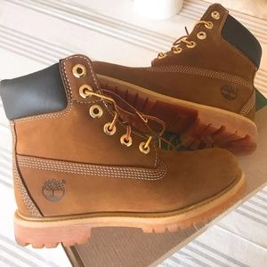 New Timberland Classic 6 Inch Waterproof Boots